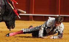 HERIDOS Tras la positiva evolución de la cornada El Juli abandona la UCI - Mundotoro.com #heridos #ElJuli #Sevilla