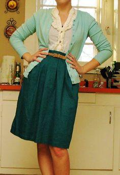 belt-1 dollar, cardigan-3 dollars, skirt-1 dollar.... total: 5 dollars ♥