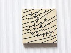 Another guter Vorsatz.Von Hand transferierte Typografie auf Holz.Das Holzstück hat eine Tiefe von 1,5 cm. An der Rückseite ist ein Loch gebohrt, so dass das Bild eben an der Wand hängen kann.Wahlweise kann man es auch auf's Regal, den Schreibtisch oder das Sideboard stellen.Da jedes Bild handgemacht ist, kann es minimale Abweichungen vom Artikelbild geben - jedes Bild ist ein Unikat! Design: navuckoMaße: 10 x 10 x 1,5 cmMaterial: Holz, Acryl-Lack, Acrylfarb...