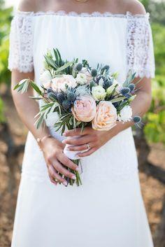 ramo de novia con olivo #bridalbouquet #ramodenovia. Ramo de novia con Rosas David Austin