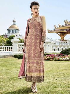 Grand outfit is ready to facelift your personality.  Item Code: SLHPA2127 http://www.bharatplaza.com/new-arrivals/salwar-kameez.html