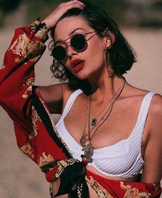 Taylor Lashae geteilt von KikiSoKrazee auf We Heart It - Femme - Fotoshooting 90s Fashion, Trendy Fashion, Fashion Outfits, Travel Fashion, Hippie Fashion, Fashion Black, Travel Style, Beach Fashion, Grunge Fashion