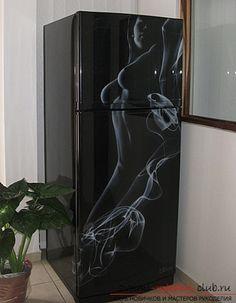 Как с помощью простых и доступных способов можно украсить обычный кухонный холодильник