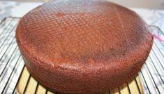 Nydelig, saftig enkel å lage sjokoladekake – Spiselise Fondant, Muffin, Food And Drink, Pudding, Baking, Fruit, Breakfast, Sweet, Desserts