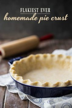 recipe makes THE FLAKIEST pie crust I have ever tried! There's a special trick to it, and it works every time, like a charm!This recipe makes THE FLAKIEST pie crust I have ever tried! There's a special trick to it, and it works every time, like a charm! Pie Crust With Butter, Oil Pie Crust, Flakey Pie Crust, Pie Crust Uses, Pie Crust From Scratch, Apple Pie Crust, Easy Pie Crust, Pie Crust For Quiche, Crisco Pie Crust Recipe