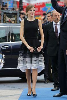 Su vestido de Varela, con el bajo en volantes