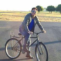 Bora passear de bicicleta? Leonardo, Costa, Singers, Bike, Novels