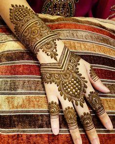 Gorgeous Indian mehndi designs for hands this wedding season - TAttoos/Hena - Henna Designs Hand Mehandi Designs, Latest Bridal Mehndi Designs, Indian Henna Designs, Back Hand Mehndi Designs, Henna Art Designs, Mehndi Designs For Girls, Mehndi Designs For Beginners, Mehndi Designs 2018, Stylish Mehndi Designs