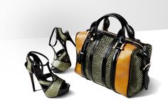 Women Accessoris as 2012 Spring Summer Collection by Burberry 2012 Spring Summer Trends of Women Sandal and Bags by Burberry – More Fashionable