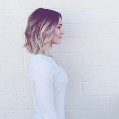 The ombre hair and the short hairstyles are the hottest topics in this year! You can see the ombre hair everywhere now. Ombre hair is trendy, modern, and. Corte Y Color, Hair Color And Cut, Great Hair, Hair Day, Gorgeous Hair, Pretty Hairstyles, Hairstyles 2018, Hairstyle Ideas, Hair Looks