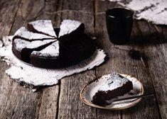 csokitorta Old Cake Recipe, Aga Recipes, Gooey Chocolate Cake, Swedish Cuisine, Butter Cream Cheese Frosting, Wacky Cake, Baking Science, Gastronomia, Vanilla