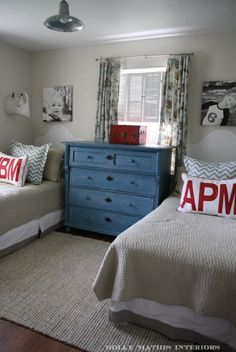 big boy rooms. love the pillows