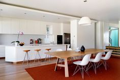 Kitchen-dining design by Luigi Rosselli Architects Kitchen Design, Kitchen Decor, Kitchen Ideas, Leather Dining Room Chairs, Leather Chairs, Cafe Chairs, Open Plan Kitchen, Kitchen Living, Home Kitchens