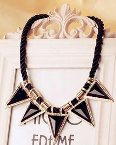 Black and gold triangular neckless ♥