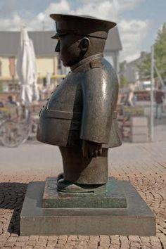 I'm originally from Oulu, currently living in Helsinki. Finnish Words, Best Cities, Helsinki, Roots, Sculptures, Traveling, Wanderlust, Memories, Statue