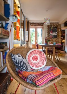House Tour: An Eclectic English Home and Artist Studio | Apartment Therapy