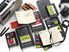カセットテープ生誕50周年記念の「限定モレスキン」は細部のこだわりが熱い : ライフハッカー[日本版]