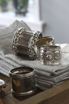 mismatched napkin rings