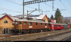 206 BLS Lotschbergbahn Ae 6/8 at Burgdorf, Switzerland by Georg Trüb