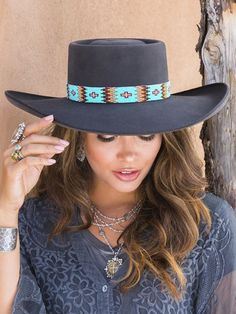 Cowboy Hat Bands, Cowboy Hats, Estilo Cowgirl, Beaded Hat Bands, Honeycomb Pattern, Native American Beading, Loom Beading, Turquoise Beads, Czech Glass Beads