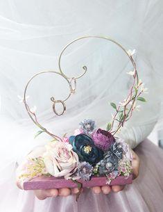 Little Fairy Ring Hanger # Hanger .- Kleine Fee Ring Kleiderbügel Little fairy ring hanger # hangers - Desi Wedding Decor, Wedding Crafts, Wedding Favors, Diy Wedding, Ring Holder Wedding, Ring Pillow Wedding, Wedding Rings, Engagement Decorations, Wedding Decorations