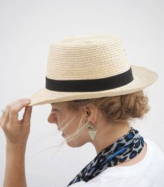 Keeping it under my hat! The sun will fade your colour and dry out your hair. Plus there's nothing worse than burning your scalp - ouch! A low braid keeps my hair up and out of the way on hot days. What's your fave style for under a hat? #hairromance