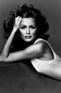 Us vogue november 1975 photo richard avedon model lauren hutton how to get full eyebrows back ccuart Image collections