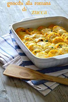 Gnocchi alla romana di zucca - it's a delicious recipe with pumpkin this time ; I Love Food, Good Food, Yummy Food, Italian Recipes, Vegan Recipes, Cooking Recipes, Baked Salmon Recipes, Just Cooking, Pumpkin Recipes