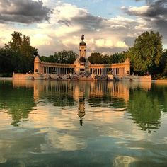 Parque del Retiro in Madrid, Madrid - huge park to chill out and have a picnic (wish we would have had some more time to do so) and also cool street musicians as well as a group of students performing the Game of Thrones Intro (could it get any better?!) :D