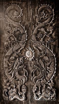Noppharat Manakul    A 200-year-old door in Songkia, Thailand.