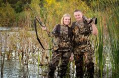 Duck Hunting Engagement Pictures! #royalweddings #royal #weddings #humor Hunting Engagement Pictures, Hunting Pictures, Engagement Couple, Engagement Ideas, Hunting Couple, Duck Hunting, Gifts For Photographers, Couple Pictures, Funny Pictures