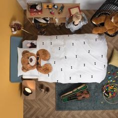 How sweet are these Teddy beddings by SNURK? Your little one will be kept warm by this cute, hugging teddy bear.
