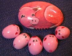 Pebble Painting - Pigs by Kids Art Room Art Gallery, via Flickr