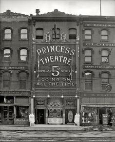 """Going On All The Time""  The Princess Theatre, Detroit 1909  via20thcenturypix&fuckyeahvintage-retro"