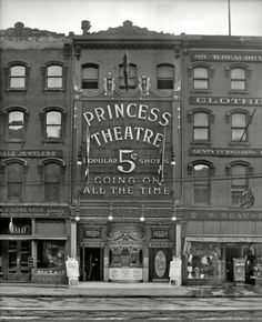 """""""Going On All The Time""""    The Princess Theatre, Detroit 1909"""