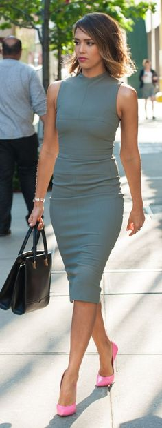 Flattering blue grey dress and pink pumps.