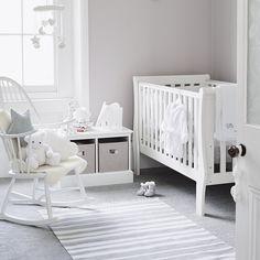 I want a grey and white nursery!!!