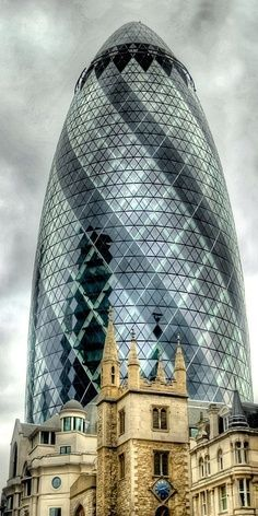 """30 St Mary Axe, Aka """"The Gherkin"""", London, designed by Sir Norman Foster Architecture Design, London Architecture, Futuristic Architecture, Beautiful Architecture, Chinese Architecture, Architecture Office, Classical Architecture, Unique Buildings, Interesting Buildings"""