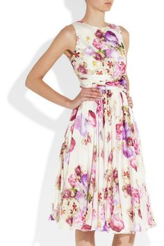 Amazing retro look.  Want to find a floral dress for a wedding in June, at the beach in Florida.
