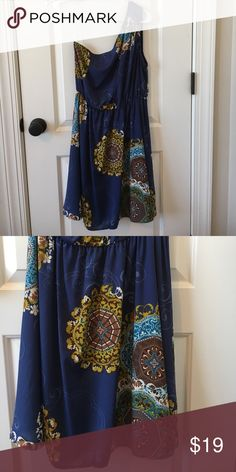 Women's Dress Beautiful off the shoulder dress. Worn once. Size M. 100% Polyester. Smoke free home. Francesca's Collections Dresses One Shoulder