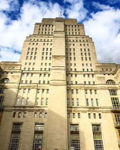 The Senate House of The University Of London in Bloomsbury. Part of my upcoming photo blog 'The Towers Of London'. iPhoneSE © Steve Swindells July 2016.