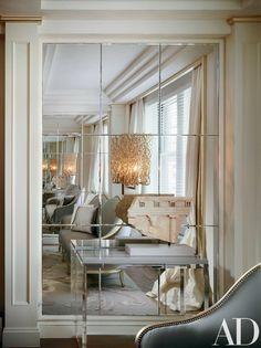 Mirror wall Interior - Amazing Wall Mirror Design Ideas for Dining Room. Wall Mirrors Entryway, Wall Mirror Design, Wall Mirror Ideas, Mirror Walls, Mirror Panel Wall, Big Mirrors, Mirror Collage, Mirror Vanity, Mirror Bedroom
