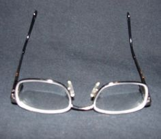 What are some home remedies for fixing scratched eyeglasses?