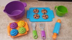 We love this cute Bake It! Play Set from Learning Resources!