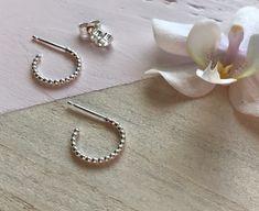 Dainty Earrings, Cute Earrings, Earrings Handmade, Silver Hoops, Silver Hoop Earrings, Pierced Earrings, Argent Sterling, Sterling Silver, Minimalist Earrings