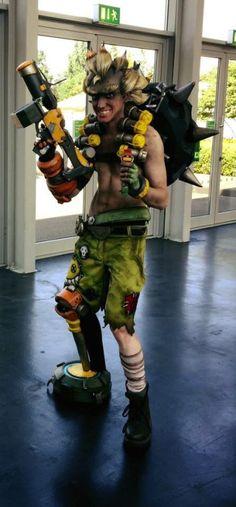 Amazing Junkrat cosplay at GamesCom! cosplay