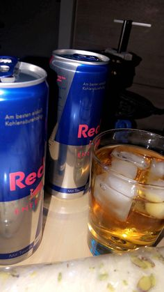 Snapchat Girls, Food Snapchat, Alcohol Aesthetic, Aesthetic Food, Mood Instagram, Instagram And Snapchat, Flavored Vodka Drinks, Red Bull Drinks, Rauch Fotografie
