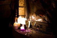Diariodecolove: Picnic romántico junto a la chimenea: velas, champagne, fresas con nata y mucho love