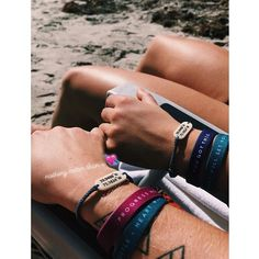 Now these two are going in the right direction.  Hope you have a Sunday Funday! Photo: @jess_petty . . . #shareyourfocus #refocus #refocusbands #bracelets #inspiration #motivation #sundayfunday #inspire #motivate #liveinspired #bekind #dogood #feelgood #shoplacle #love #kindness
