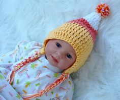 Does this hat come in regular people size or just tiny human?